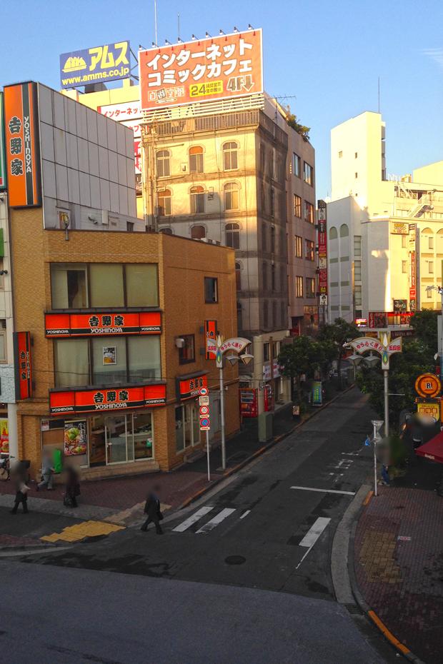 代表的な歓楽街が、この「五反田有楽街」